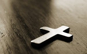 6963679-cross